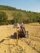 gianluca, palificazione e bagnatura vigna nuova vertine 2017 (7)