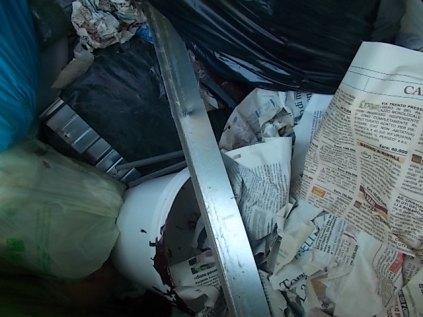 spazzatura su strada fraraddae gaiole in chianti (4)