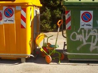 gaiole castelnuovo berardenga, spazzatura per le strade (10)