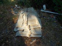gaiole castelnuovo berardenga, spazzatura per le strade (7)