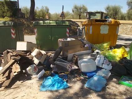 guistrigona rifiuti sulla strada (10)