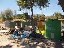 guistrigona rifiuti sulla strada (19)