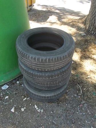 guistrigona rifiuti sulla strada (24)