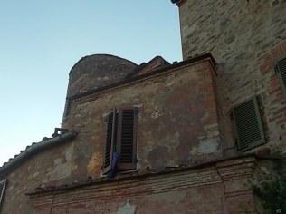 rapolano, chiesa di san vittore e lampioni danneggiati (15)