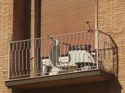 siena, la vespa nel terrazzo (10)