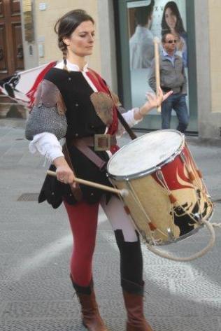 tamburina-giostra-dellorso-pistoia-2