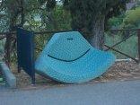 vertine-divano-angoliera-abbandonato-2