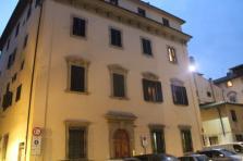 casa del perozzi piazza de' peruzzi (1)