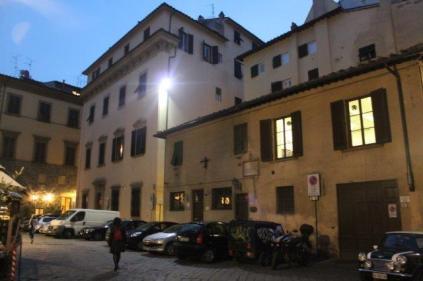 casa del perozzi piazza de' peruzzi (2)