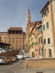 siena la finestra con i centrini all'uncinetto (7)