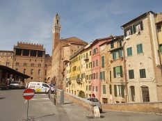 siena la finestra con i centrini all'uncinetto (9)