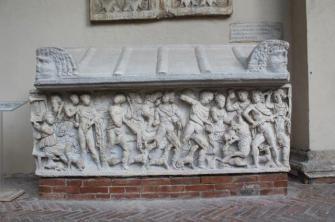 mito di meleagro cacciatore di cinghiali sarcofago salerno (2)