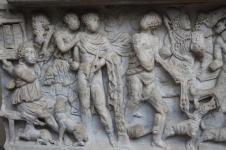 mito di meleagro cacciatore di cinghiali sarcofago salerno (5)