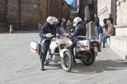 montepulciano e i vigili urbabi in motocicletta (10)