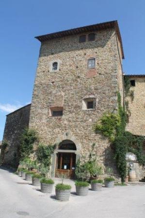 castello di volpaia e ortensie (3)