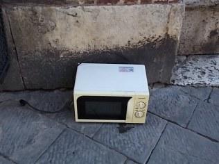 siena forno abbandonato in piazza del duomo foto di andrea pagliantini (1)