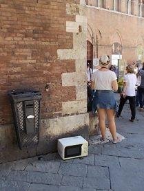 siena forno abbandonato in piazza del duomo foto di andrea pagliantini (4)
