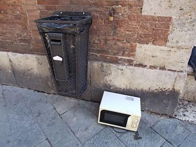 siena forno abbandonato in piazza del duomo foto di andrea pagliantini (9)