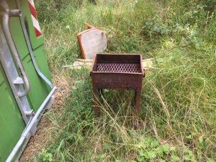 radda in chianti bivio volpaia castelvecchi spazzatura (1)