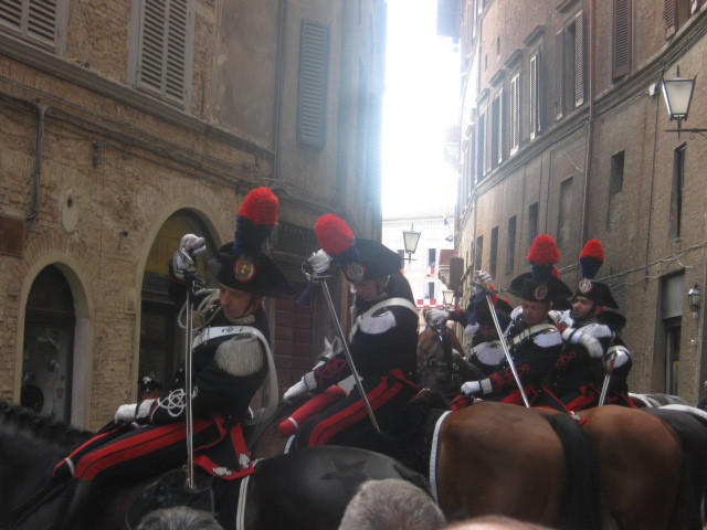 carabinieri-a-cavallo