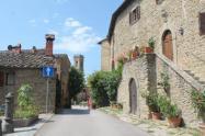 castello-di-volpaia-e-ortensie-28