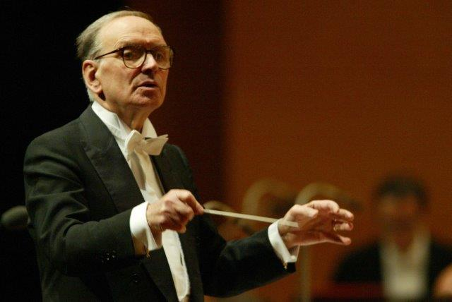 Ennio-Morricone-Conducts-1