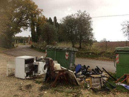 quercegrossa strada verso vagliaglli, dopo il cimitero (4)