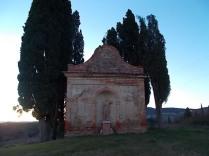 villa-arceno-edicolo-di-dioniso-viale-cipressi-riflessi-sullacqua-lago-9