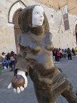 alberto inglesi donna in cammino mostra itinerante per le vie di siena (7)