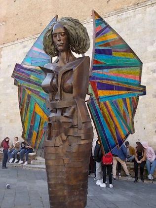 alberto inglesi donna in cammino mostra itinerante per le vie di siena (8)