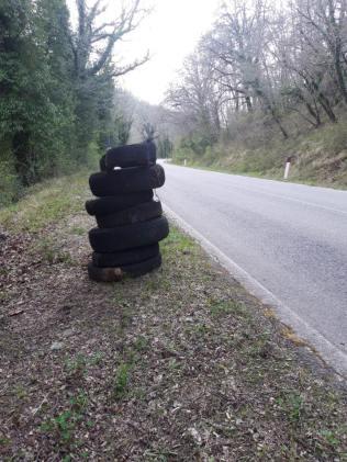 vignaioli radda pulizia strada dai rifiuti (1)