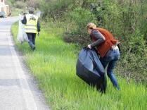 vignaioli radda pulizia strada dai rifiuti (11)