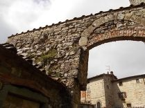 vertine mura porta da restaurare (3)