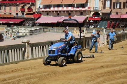 il trattorista di piazza del campo (12)