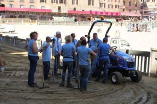 il trattorista di piazza del campo (8)