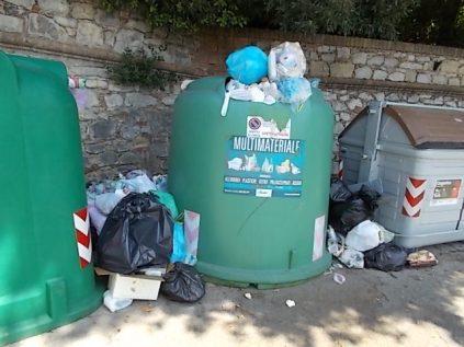 rifiuti berardenga villa chigi (2)