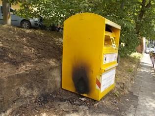 cassonetto bruciato porta pispini (12)