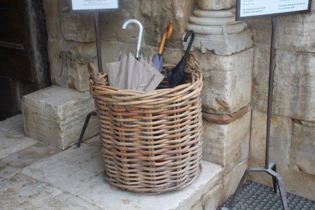 cesto porta ombrelli abbazia sant'antimo