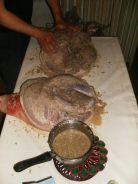 massaggio, agliatura, salatura prosciutto (21)