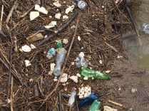 scempio rifiuti torrente malena (2)