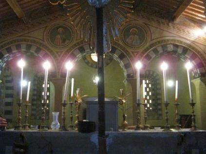 interno-chiesa-vertine-2