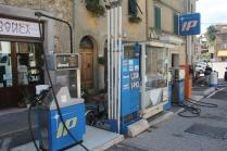 distributore benzina chiusdino (2)