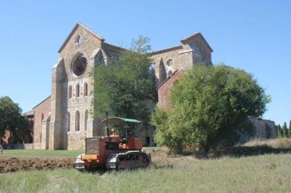 il trattore di san galgano (1)