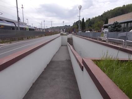 siringhe sottopasso stazione montevarchi (1)