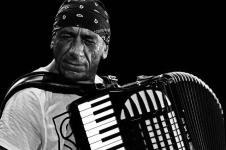 ANTONELLO-SALIS foto da musica jazz