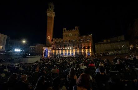 concerto per l'italia in piazza del campo foto di accademia chigiana (3)