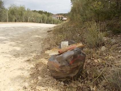 vertine san donato in perano rifiuti bordo strada (11)
