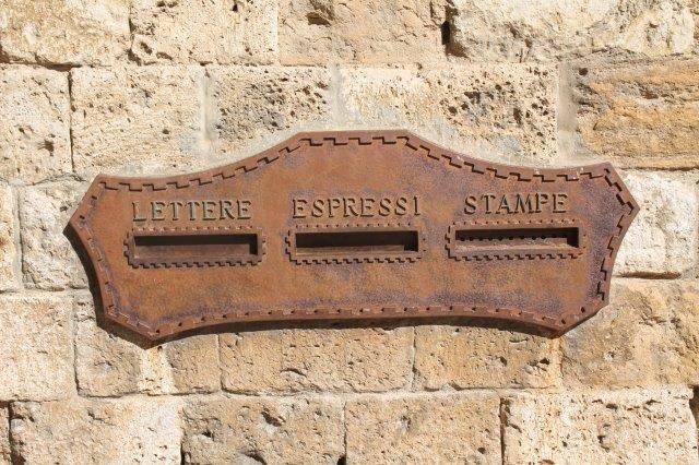 buca delle lettere di san gimignano